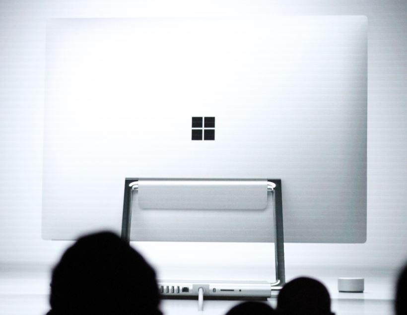 مایکروسافت سرفیس استودیو